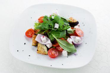 салат с печеными овощами